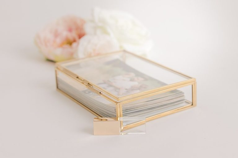 glass keepsake box with printed proofs and USB by petite magnolia photography
