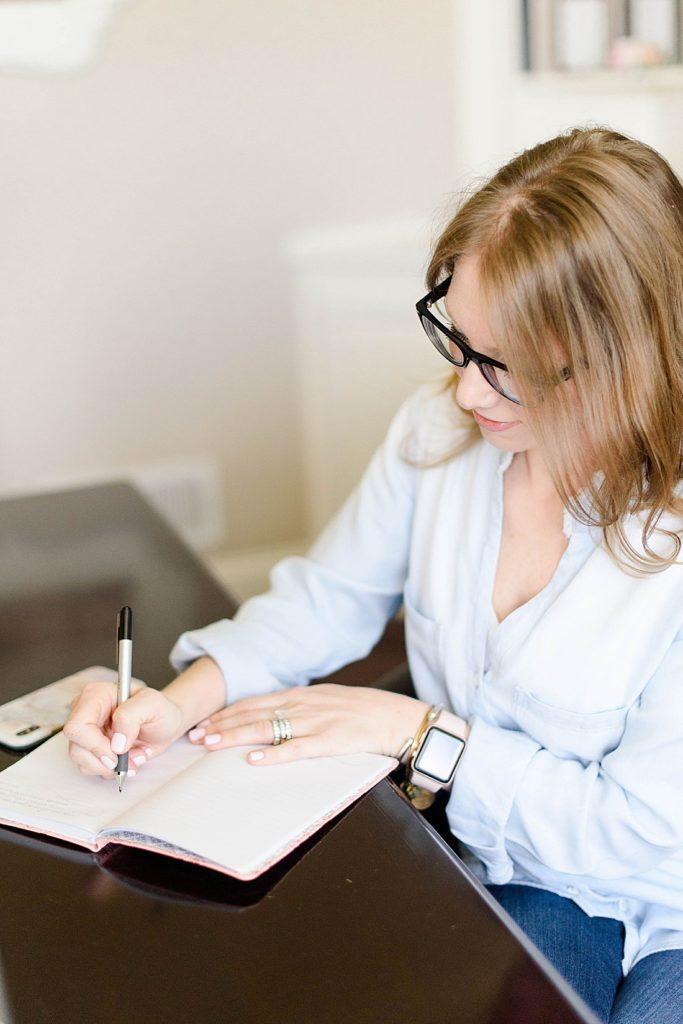 pittsburgh motherhood photographer writing in journal | petite magnolia photography