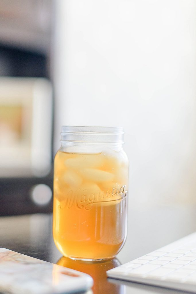 glass of iced tea _ petite magnolia photography